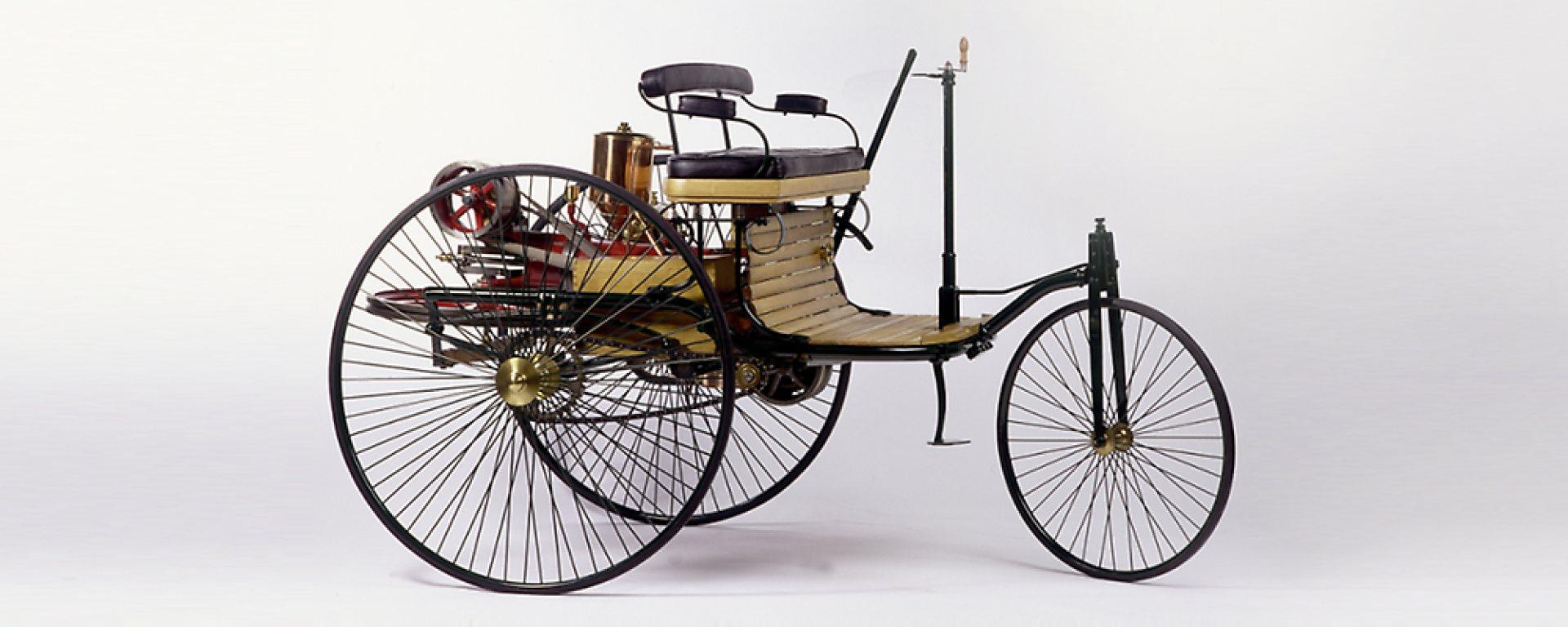 На тази дата преди 134 години: Карл Бенц създаде първия автомобил с ДВГ