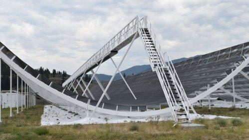 Откриха повтарящи се на 16 дни извънземни радиосигнали
